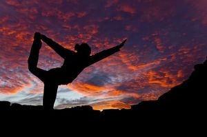 550px-Sunset-Yoga